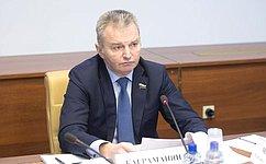 Для государственных инегосударственных медицинских организаций установлены одинаковые условия участия всистеме ОМС— И.Каграманян