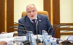 А. Клишас: ВГосударственную Думу внесены законопроекты попресечению вИнтернете информации, выражающей явное неуважение кобществу