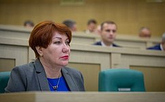 Е.Перминова избрана первым заместителем председателя Комитета СФ побюджету ифинансовым рынкам