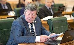 В.Семенов: Живое общение сгражданами позволяет власти держать руку напульсе