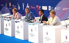 В.Рязанский: Принимаемые государством меры обеспечили позитивные изменения всоциальной сфере