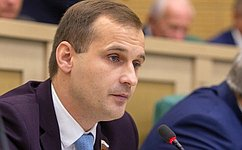 Сенаторы обсудили борьбу снелегальным алкоголем икраткосрочные контракты спреподавателями вузов