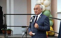 Б.Жамсуев принял участие воткрытии модельной районной библиотеки ипамятника ученому-востоковеду Цыбену Жамцарано