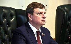 А. Епишин: Внесение поправок вКонституцию возможно исключительно содобрения граждан России