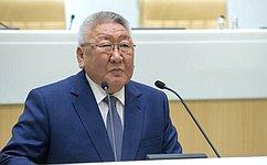 Е. Борисов призвал коллег изЯкутии придерживаться многовариантных подходов при разработке законопроектов
