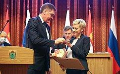 А. Савин: Калужским врачам вручены награды Совета Федерации