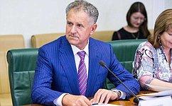 А. Волков поздравил учителей Удмуртии снаступающим профессиональным праздником