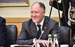В. Абрамов принял участие вовстрече счленами делегации Национального собрания Вьетнама