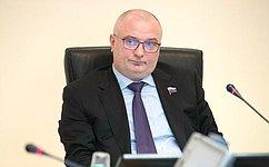 А.Клишас представил вКонституционном Суде РФ позицию Совета Федерации пожалобе И. Дадина