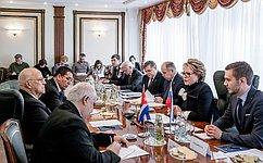 В. Матвиенко: Россия иКуба выступают против пересмотра истории иумаления заслуг тех, кто сыграл ключевую роль впобеде над фашизмом