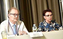 Т. Кусайко провела «круглый стол» повопросам финансирования медицинской помощи пациентам средкими заболеваниями