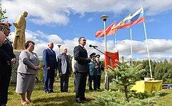 Н. Федоров посетил мемориал «Память» вЧебоксарском районе Чувашии