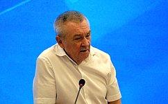В. Бекетов: Важнейшая задача учителей– воспитать юных россиян настоящими патриотами