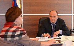 А.Дмитриенко входе приема граждан вПензе обсудил вопросы трудового, жилищного иземельного законодательства