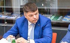 Д.Василенко принял участие взаседании Законодательного собрания Ленинградской области