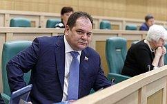 Российские товары должны быть вприоритете при госзакупках— Р.Гольдштейн
