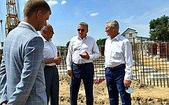 С. Лукин взял под личный контроль строительство школы вселе Садовом Воронежской области