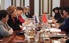 Валентина Матвиенко: женщины вносят гуманитарную составляющую вгосударственную политику