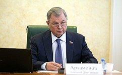А. Артамонов поздравил коллектив БСМП с60-летним юбилеем