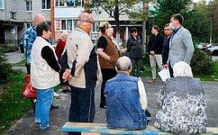А. Пронюшкин обсудил сжителями Владимирской области вопросы ЖКХ, строительства дорог, благоустройства территорий