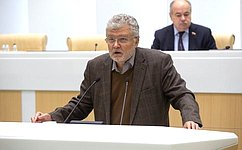 Врамках «времени эксперта» выступил председатель редакционного совета «Литературной газеты» Ю. Поляков