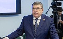 Глава государства продемонстрировал новаторский подход вреформировании страховой медицины— В.Рязанский