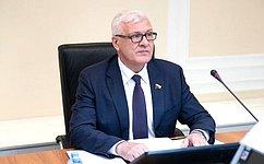С.Брилка обсудил вИркутске меры социальной поддержки семей сдетьми