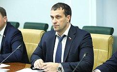 Э. Исаков обсудил вопросы развития социально ориентированных НКО вЮгре