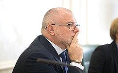 А. Клишас прокомментировал постановление Пленума Верховного Суда РФ поделам экстремистской направленности