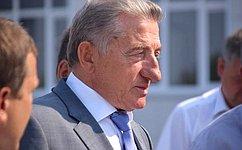 С.Лукин проинспектировал ход строительства школ идетских садов вВоронежской области