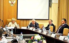 Ю.Липатов: Власть обязана оперативно помогать гражданам находить совместное решение текущих проблем