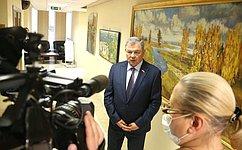 А.Артамонов открыл вздании Совета Федерации выставку В.Пугачева «Радостное небо»