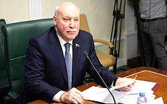 Д. Мезенцев: Выполнение задач, поставленных Президентом вПослании, требует энергичных, умелых, организованных действий