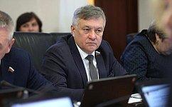 С. Михайлов: Минпросвещения РФ окажет поддержку врешении проблемы нехватки мест вшколах региона