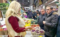Нам необходимо принять меры порешению задачи импортозамещения вцветоводстве— А.Майоров
