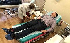 Э. Исаков: Кровь даже одного донора может спасти жизнь нескольким людям