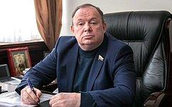 В.Лаптев принял участие воткрытии «Снежного городка» вгороде Куйбышеве Новосибирской области
