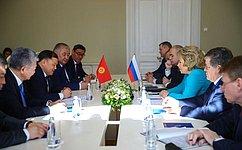 В.Матвиенко провела встречу сПредседателем Парламента Киргизии Д.Джумабековым