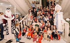 М. Хапсироков поздравил детей снаступающим Новым годом