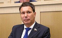 И. Зубарев: Молодежь должна иметь возможность трудоустроиться врегионе