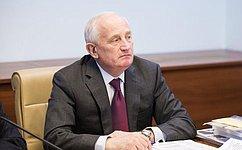 В.Кресс провел заседание «круглого стола» повопросам развития системы среднего профессионального образования вРФ