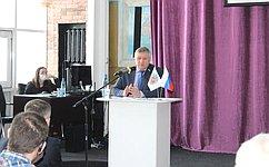 С. Михайлов: Тренеры-преподаватели должны получать преференции науровне учителей всельской местности