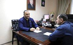 М. Ахмадов: Особенно важна социальная направленность предложенных законопроектом поправок вКонституцию