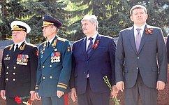 М. Козлов: Сколькобы лет ниминуло смая 45-го, мы никогда незабудем тех, кто сражался заВеликую Победу