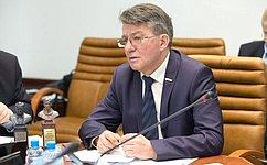 В.Озеров: Нужно совершенствовать контроль заоборотом наркотических средств ипсихотропных веществ