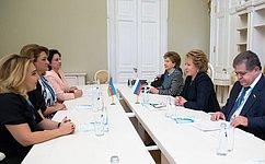Спикер СФ В. Матвиенко провела встречу сглавой Комитета попроблемам семьи, женщин идетей Азербайджанской Республики И. Гусейновой
