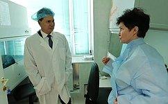 И.Зубарев посетил лабораторию повыявлению ГМО впищевых продуктах вКарелии