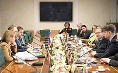 Необходимо вовлечь как можно больше граждан вработу органов местного самоуправления— О.Мельниченко