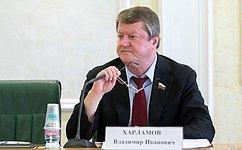 В. Харламов: Для понимания проблем населения необходимо постоянное взаимодействие слюдьми врегионе