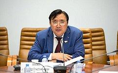 А. Акимов: Вопрос северного завоза будем держать под особым контролем